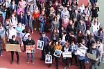 Studenti uherskohradišťského gymnázia se ve čtvrtek 15. 3. připojili ke stávce. Studenti středních a vysokých škol v poledne vyšli před budovy škol, aby v rámci výzvy Vyjdi ven upozornili na (ne)dodržování ústavních zvyklostí a vyjádřili nesouhlas s příst