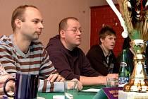 Na vůbec první tiskové konferenci, kterou softbalisté Kunovic kdy pořádali, nastínili ambice Snails trenér Milan Zedník, předseda oddílu Miroslav Kuřímský a vycházející hvězda nejen kunovického softbalu Ondřej Blaha (zleva).