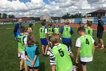 V Hluku se na začátku letních prázdnin koná tradiční fotbalový kemp Michala Kadlece.