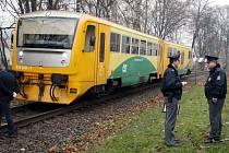 Vlak naštěstí odhodil bezdomovce na stranu, takže měl jen lehká zranění.