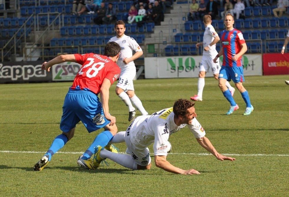 1. FC Slovácko - Plzeň. Marián Čišovský a Libor Došek.