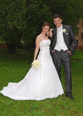 Soutěžící svatební pár číslo 28 - Hana a Lukáš Radovi, Přerov.