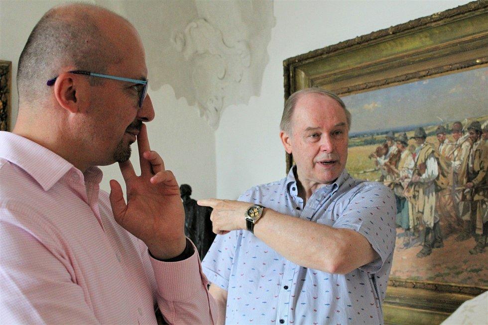 Starosta města Kyjov a současně předseda Svazu měst a obcí České republiky (a také ministr pro místní rozvoj v r. 2013 v Rusnokově vládě) navštívil s dalšími členy rady města 16. července Galerii Joži Uprky.