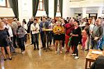 Vzhledem k nepřízni počasí byla nedělní (8. září) výstava vín v Redutě příjemným vyvrcholením XVII. ročníku Slováckých slavností vína a otevřených památek. Odhadem prošlo Redutou kolem tří set milovníků vína.