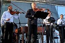 Tisíc posluchačů se v nedělním podvečeru nechalo unášet pátým Velkomoravským koncertem.