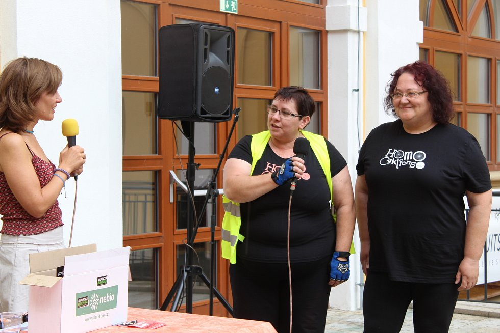 Předávání ceny pro nejlepšího cyklistu výzvy Do práce na kole v Uherském Hradišti
