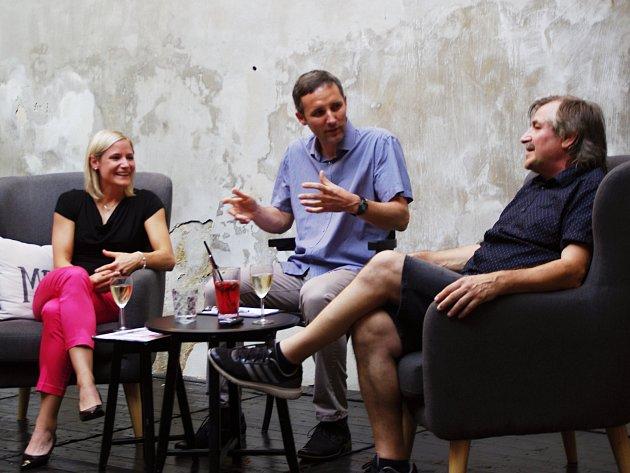 Kristýna a Vladimír Salčákovi v talkshow Davida Vackeho.