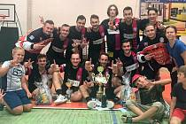 Sedmnáctý ročník florbalového Slováckého poháru ve sportovní hale v Hluku opět po roce ovládl tým z Trenčína.
