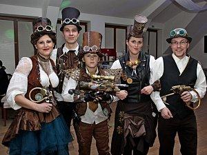 Karneval pro dospělé opanoval velehradské turistické centrum