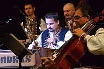 Orchestr lidových nástrojů Vojenského uměleckého souboru Ondráš v pořadu Další, prosím.