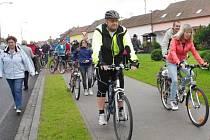 K definitivnímu propojení cyklostezkových sítí na Hradišťsku a Brosku došlo v sobotu 4. října slavnostním otevřením cyklostezky mezi Nivnicí a Dolním Němčí.