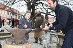 Nový betlém na brodském Kateřinském jarmarku přitáhl pozornost dětí i dospělých.