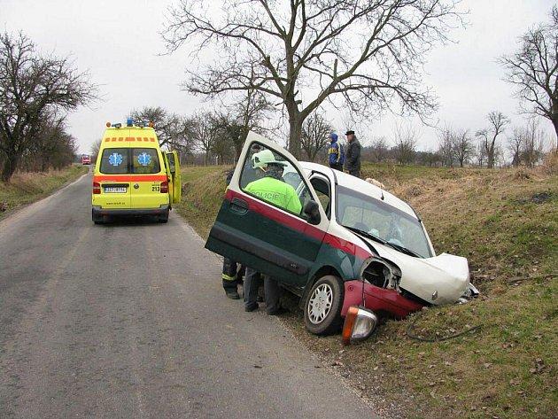Dopravní nehoda u Ostrožské Lhoty.