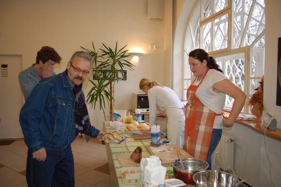 Tvorba velikonočního pečiva ve Slováckém muzeu