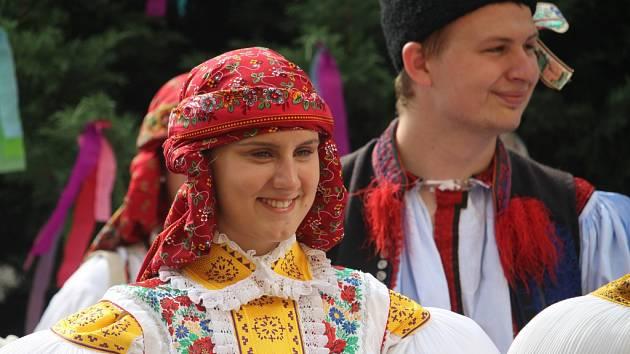 V Uherském Hradišti Sadech se o víkendu 3. – 4. září pořádaly tradiční Derflanské hody v Sadech s právem, které předal do rukou čtyř stárků starosta Uherského Hradiště Stanislav Blaha.