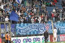Libor Došek domlouvá fanouškům, kvůli pokřiku Pelta ven se začalo o 6 minut později.