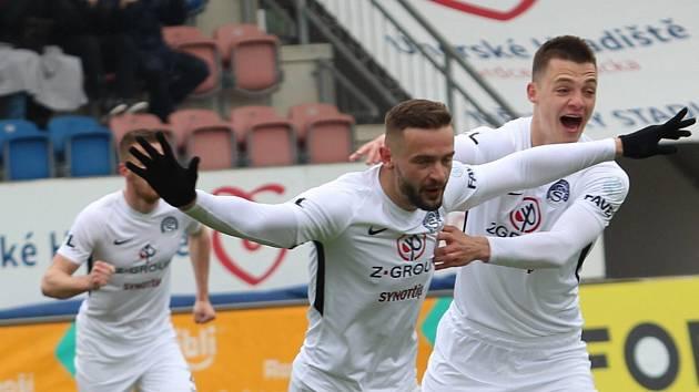 Fotbalisté Slovácka (v bílých dresech) ve 28. FORTUNA:LIGY zdolali Příbram 2:0. Na snímku Tomáš Zajíc.