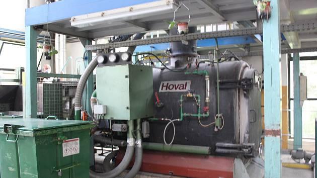 Modernizace spalovny nebezpečných odpadů v Uherskohradišťské nemocnici. Interiér současné spalovny, která funguje už 24 let.