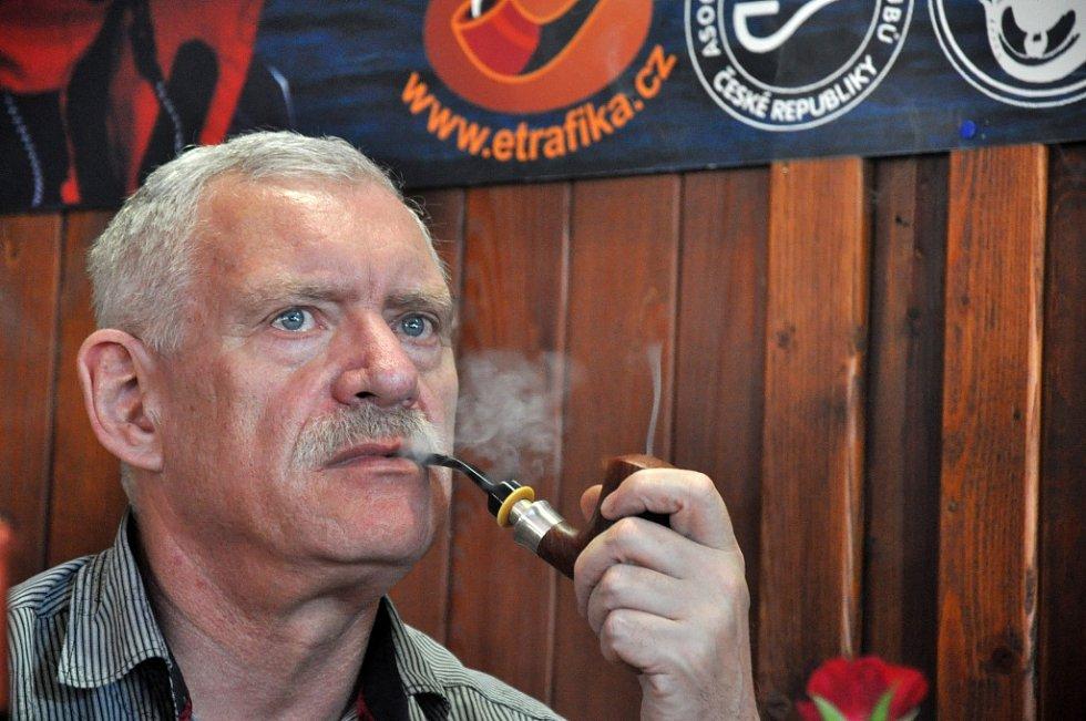 ročník kouření soutěž