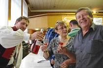 Košt vín v Kulturním domě v Dolním Němčí. Ilustrační foto.