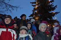 K rozsvícení vánočního stromu v Boršicích vyhrávala dechovka i cimbálovka.