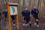 Fotbalisté 1. FC Slovácko zahájili přípravu na jarní část Gambrinus ligy. Na úvod je čekal výběh v Kunovském lese. Na snímku zprava Petr Reinberk a Lukáš Kubáň.