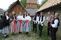 Folkloristé z jalubské Střešně