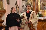 Folklorní studio Buchlovice koledovalo v domácím svatostánku (na snímku) a kostele ve Spytihněvi.