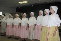 Ženský sbor z Ostrožské Lhoty.