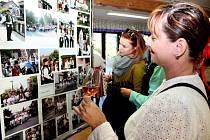 . V Muzeu keramiky v Tupesích byla slavnostně otevřena výstava fotografií, mapující historii hodů v obci.