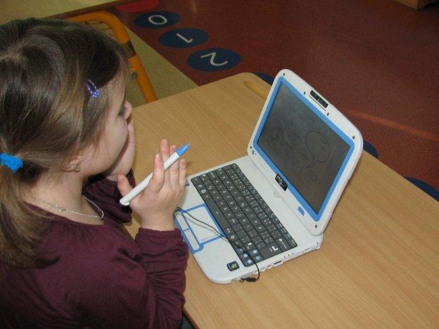 V pitínské základní skole ve čtvrtek 13. února slavnostně otevřeli digitální třídy.