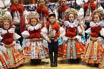 Krojový ples ve Vlčnově. Šimon Pešl se v sobotu poprvé představil oficiálně veřejnosti.