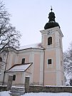 Farní kostel svatého Klimenta na Stupavě.