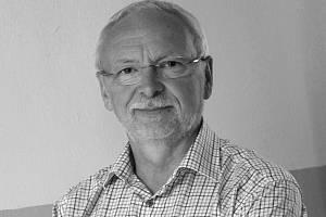Zemřel bývalý starosta Uherského Hradiště Květoslav Tichavský