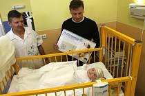 Předávání přístroje Babysense na dětském oddělení Uherskohradišťské nemocnice.