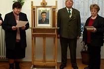 O výstavu obrazů Jana Hubáčka a dalších březolupských umělců byl velký zájem