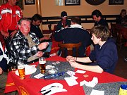 Za stoly usedlo 88 hráčů.