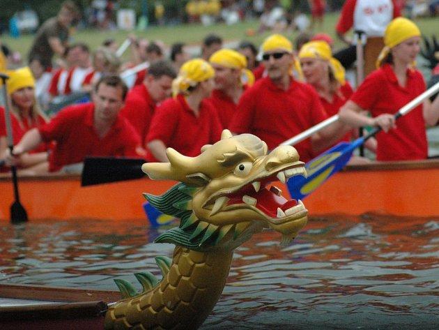 Slovácké mistrovství dračích lodí