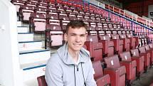Dvacetiletý brankář Matěj Kovář bude z Manchesteru Nuited hostovat v třetiligovém celku Swindon Town FC