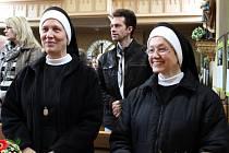 BOROMEJKY. Vernisáže i slavnostní bohoslužby se zúčastnily sestry Kongregace Milosrdných sester sv. Karla Boromejského.