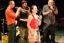 Hlavní koncert jazzové festivalu zahájila hradišťská kapela Jazzgang.