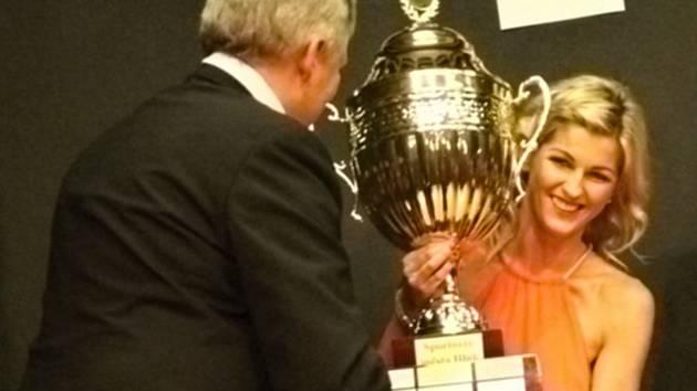 Zkušená stolní tenistka Monika Vybíralová je nejlepší sportovkyní Hluku za loňský rok.