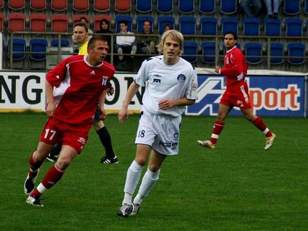 Jiří Perůtka (v bílém).