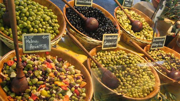 Nakládané olivy.