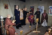 V knížecím paláci opevněného hradiska v Modré otevřeli novou výstavu, pokřitili tam knihu a vydali se Cestami vína.