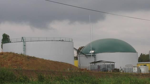 Bioplynový proces se uskutečňuje ve dvou věžích o průměru 24 metrů a výšce patrového domu.