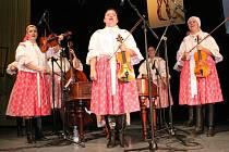V budově Klubu kultury Uherské Hradiště se konal šestadvacátý Festival hudebních nástrojů a lidových muzik na téma ženy a folklor. Předávalo se také ocenění Vinařská obec roku.