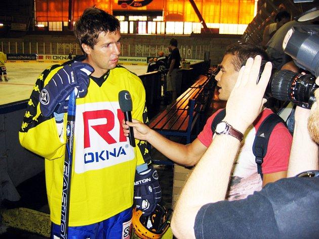 Jaroslav Balaštík neunikl zájmu televizních štábů.