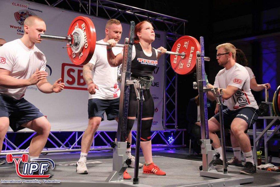 Klára Zmeškalová překonala v Kanadě na mistrovství světa v silovém trojboji národní rekord.
