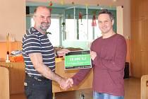 Organizátoři akce Den pro Bělinku předali její výtěžek zástupcům kunovického sociálního zařízení.